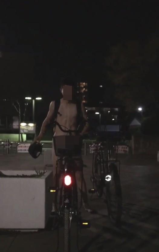 高校生が公園で全裸になって自転車に乗る動画を公開!迷惑行為も大量に発覚